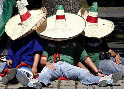 "The Illinois House of Representatives asks, ""¿Como se dice 'snooze' en español?"" - IMAGE SOURCE"