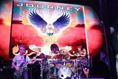 journey_at_verizon_wireless_amphitheater_9_13_08_st_louis.2540447.36.jpg