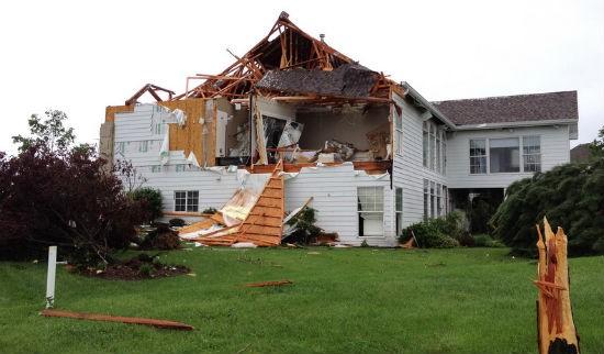 STL_tornado_damage_9.jpg