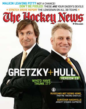 Gretzky and Hull on the cover of Hockey News in March 2008.