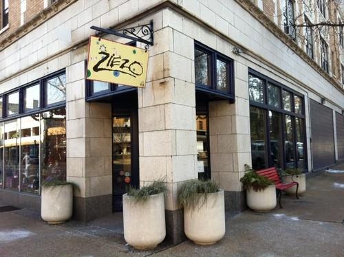 Ziezo, a popular Loop boutique. - LINDSAY TOLER