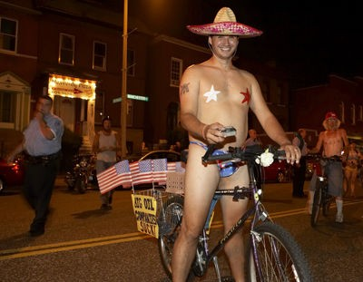 st_louis_naked_bike_ride_8_2_08.2412528.36.jpg