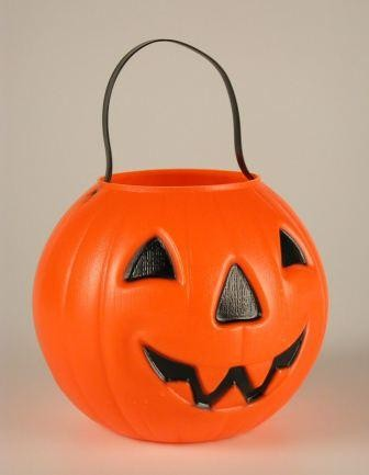 halloween_bucket_9912.jpg