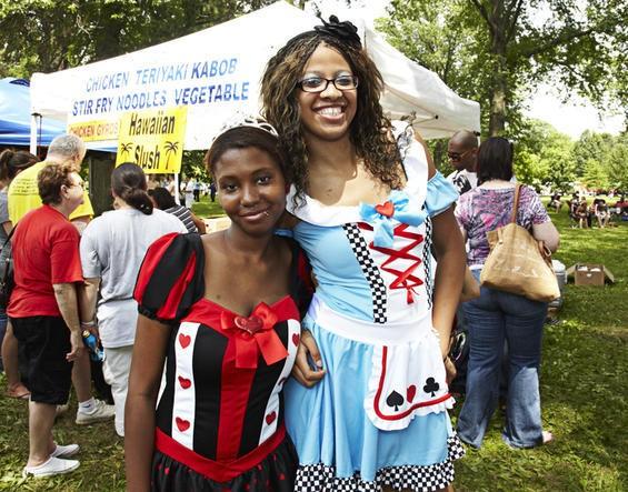 2010_pridefest_parade.4989449.87.jpg