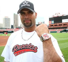 In this advertisement photo, Pujols shows off his healthy left forearm.