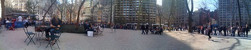 A long line at the Shake Shack in New York. - BEN+SAM ON FLICKR