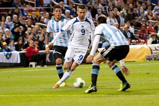 Bosnian soccer player Vedad Ibisevic plays at Busch Stadium - JON GITCHOFF