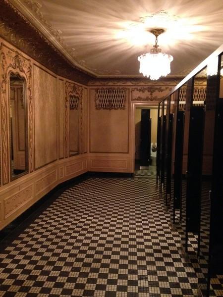 foxbathroom5.JPG