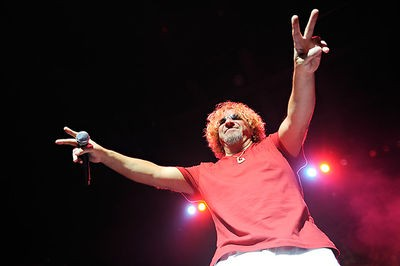 sammy_hagar_at_the_pageant_11_19_08.2767705.36.jpg