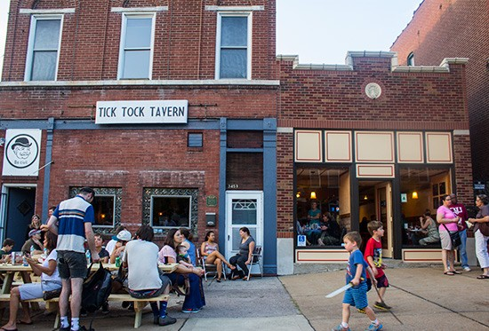 Tick Tock Tavern and Steve's Hot Dogs shared a busy debut. | Photos by Mabel Suen