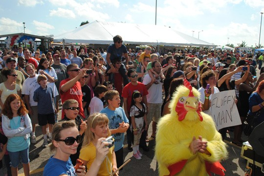 A scene from last year's Midwest Wingfest. - IMAGE VIA