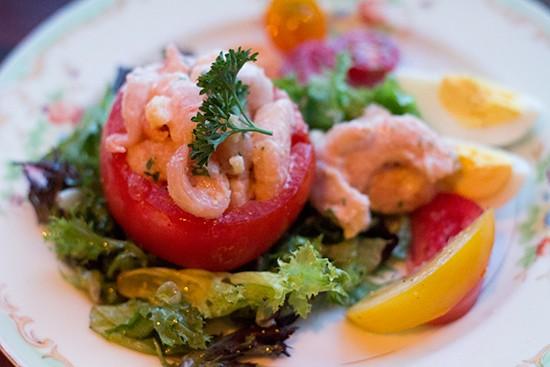 Tomato stuffed with laughing bird shrimp | Mabel Suen