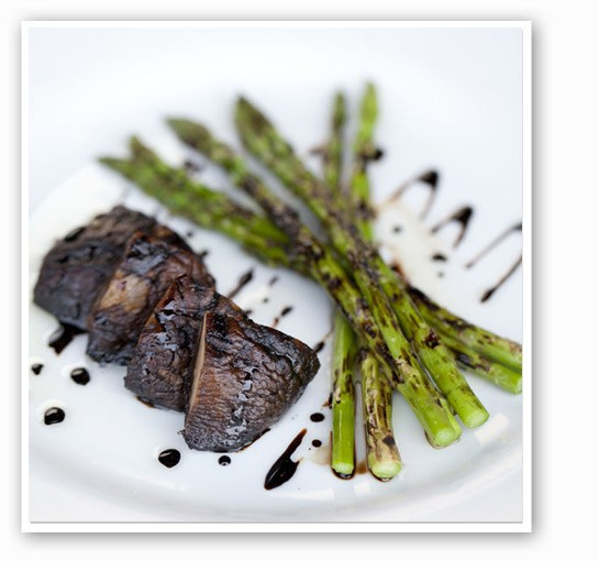 Grilled portabella mushroom with asparagus and balsamic glaze at Tavolo V. | Jennifer Silverberg