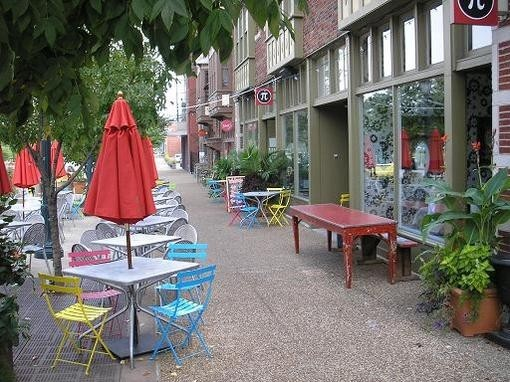 Pi's patio - PHOTO BY IAN FROEB