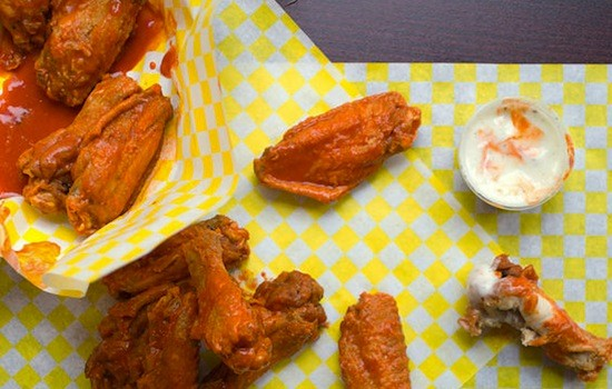 An order of buffalo wings at Chubbies | Jennifer Silverberg