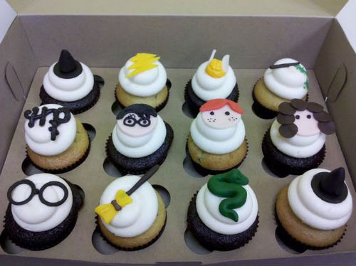 Pretty puffy Hogwarts cupcakes. - FROSTINGS IN RICHMOND, VA