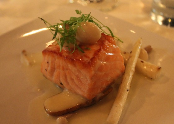 Alaskan salmon with mushrooms, fingerling potatoes and white asparagus beurre blanc sauce, which was paired with the 2013 Meomi Chardonnay. | Nancy Stiles