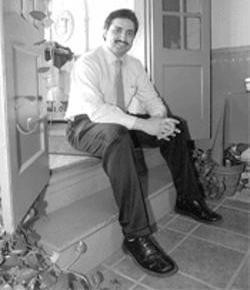 Sameem owner Qayum Mohammad, photographed in 2005 - JENNIFER SILVERBERG