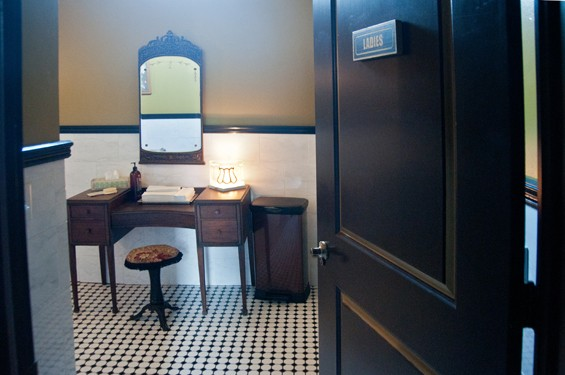click to enlarge planters house caroline yoo - Restaurant Bathrooms