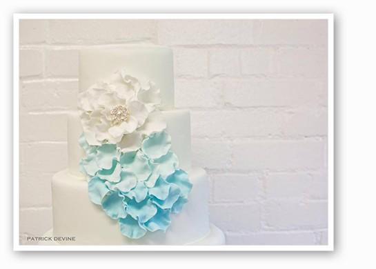 chouquette_cake1.jpg