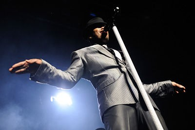 ne_yo_at_the_fox_theatre.3108164.36.jpg