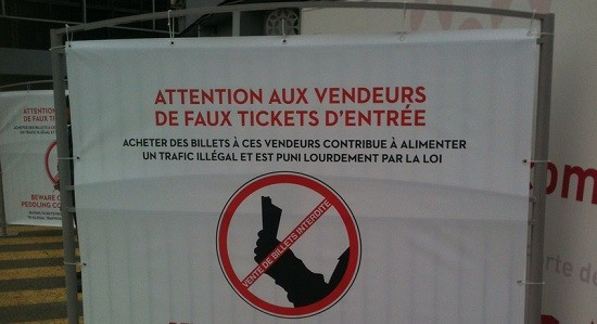 "Translated from French: ""Beware these trifling ass counterfeiters with these fake ass tickets. Whack ass busters, the lot of 'em."" - FLICKR/ACTUALITTÉ"