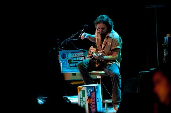 Eddie Vedder at the Fox Theatre, 7/1/11: Review, Photo, Setlist