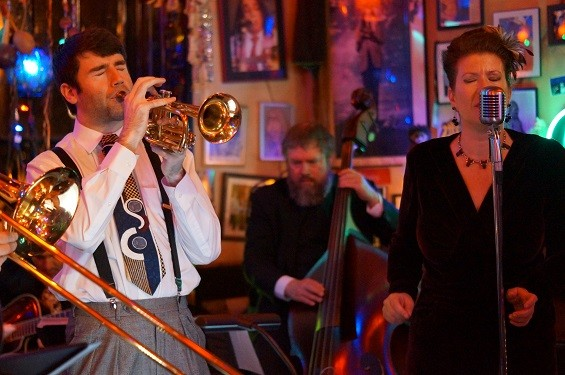Sarah Jane & the Blue Notes, performing at the Venice Cafe. - MIKE VANGEL