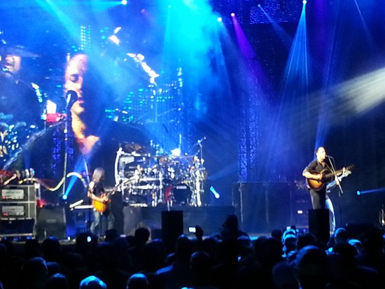DMB live last night - VIA MY CRAPPY CELL PHONE