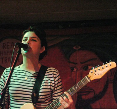 the_ettes_at_way_out_club_1_31_09.2984393.36.jpg