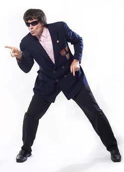 Beatle Bob mid-dance move - WWW.LYNNTERRY.COM