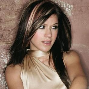 Kelly Clarkson will be at Lilith Fair in St. Louis.