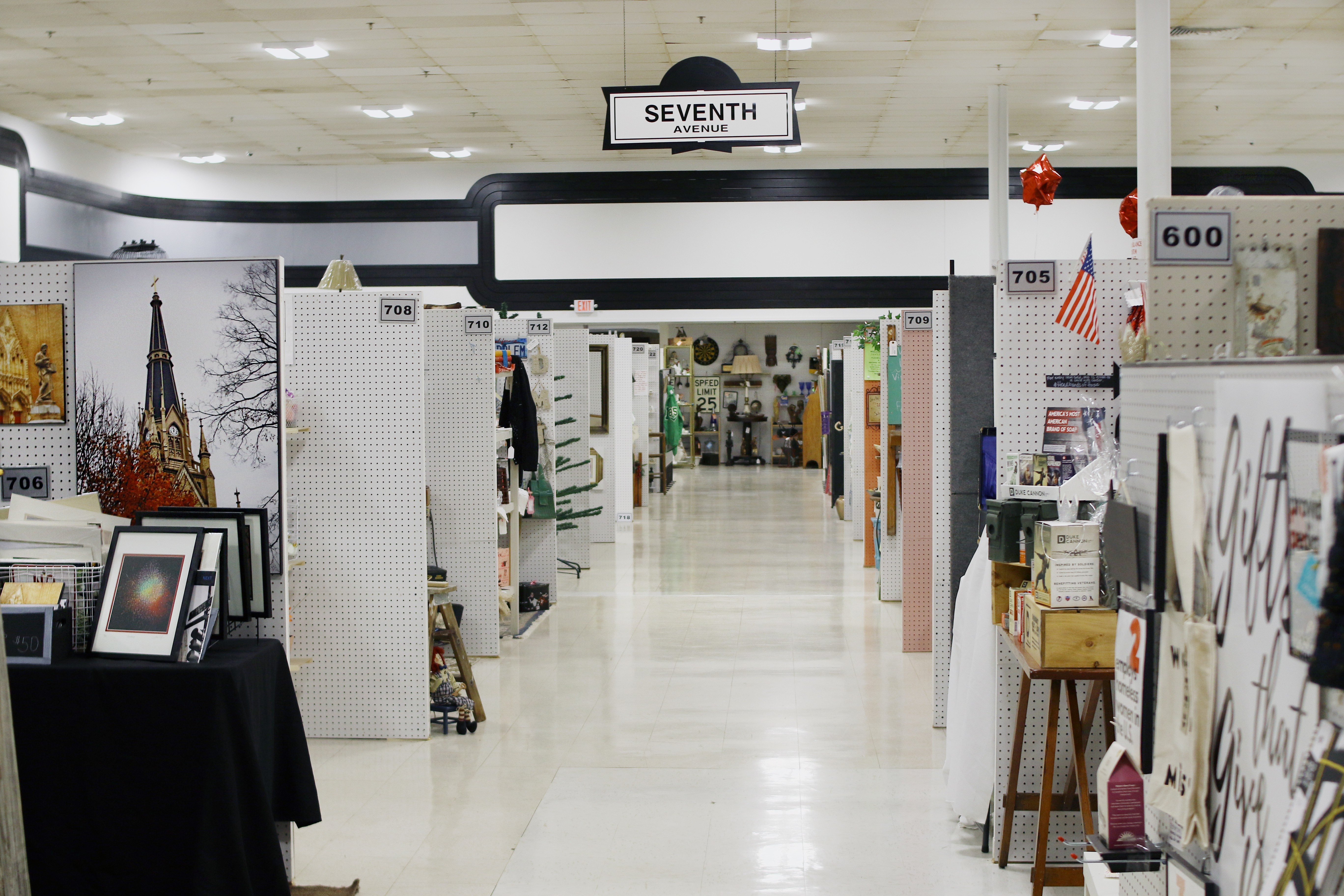 Manhattan Antique Mall Brings Much More Than Antiques To St Ann