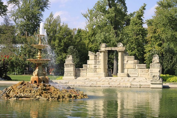 There are so many lovely things to see in Tower Grove Park like the Fountain Pond and Ruins pictured here. - @STEPHEN_BOLEN / FLICKR