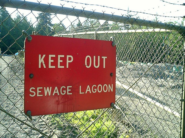 Might as well slap a sign on the whole river, huh St. Joseph? - PHOTO VIA BJØRN BULTHUIS / FLICKR