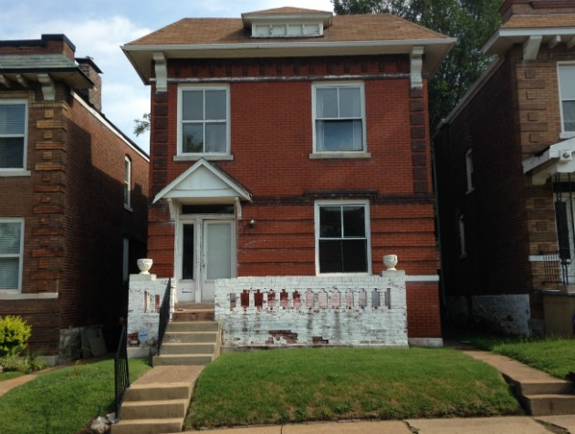 Wyndham Lathem's house in south St. Louis appears vacant. - PHOTO BY DOYLE MURPHY