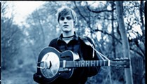 Johnny Flynn discusses Mumford and Sons and why American crowds are better