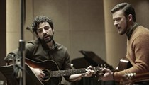 Another Side of Oscar Isaac: Llewyn Davis turns out to be a Carey Mulligan-terrifying punk