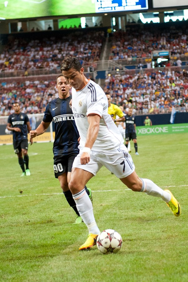 real madrid vs inter milan at the edward jones dome st louis slideshows st louis news and events riverfront times real madrid vs inter milan at the