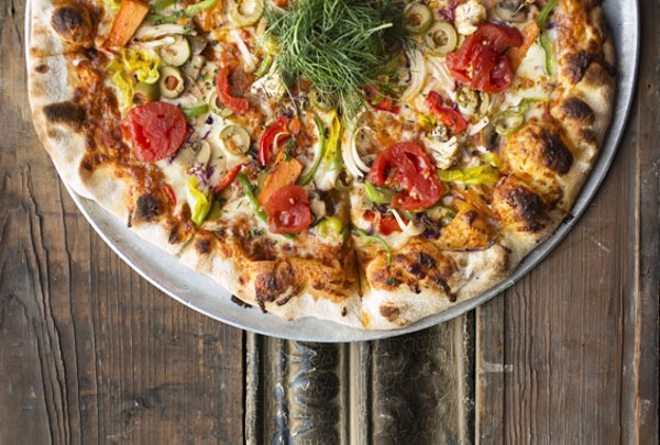 Blind Tiger Dishes Divine Pizza in Maplewood