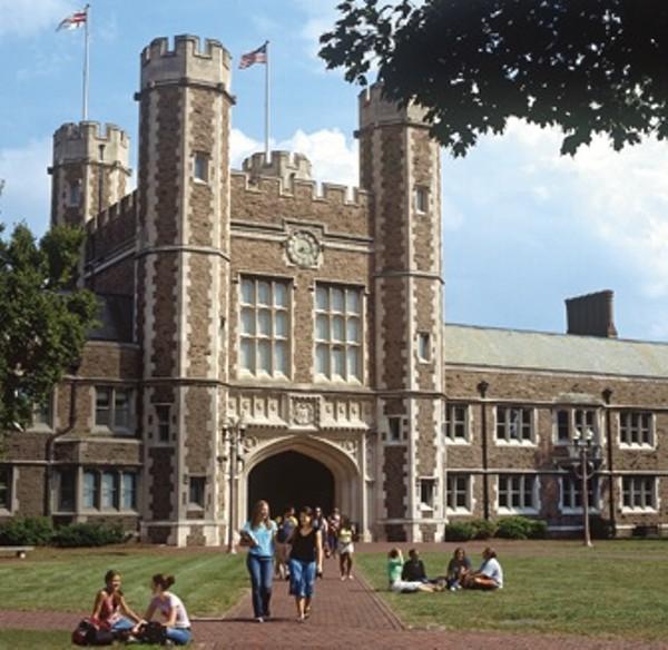 Washington University In St Louis: Washington University Students Are Very Happy, Love Campus