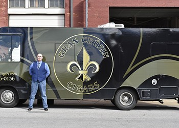 For Cigar Lovers, 'Gran Cruzin' Truck Promises a Lounge Experience on Wheels