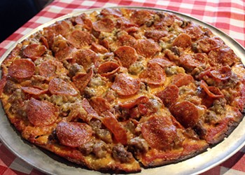 DeRienzo's Pizza Is Bringing Back St. Louis Pizza History