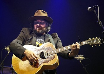 Jeff Tweedy's Book Chronicles His Struggles with Mental Illness, Addiction — and Both Jays