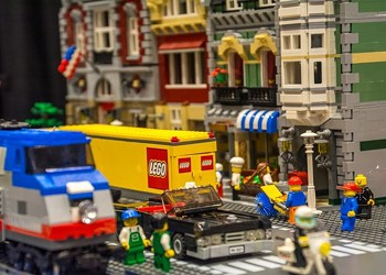 Huge LEGO Convention Is Coming to St. Louis This July
