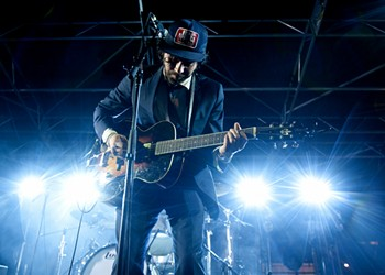 How Heartbreak and Psychedelic Drugs Brought Shakey Graves to the World