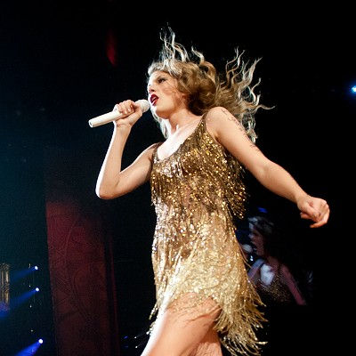 Taylor Swift at the Scottrade Center