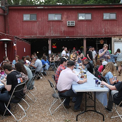 225 Pounds of Crawfish Boiled at Off Broadway
