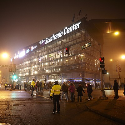 Garth Brooks Wows Scottrade Center