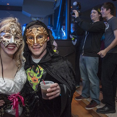 """""""Hodor"""" Rocks St. Louis with Rave of Thrones"""